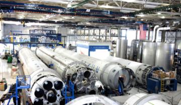 Artykuł Grzegorza Joachimiaka o optymalizacji działań i obniżaniu kosztów produkcji w czasopiśmie Logistyka produkcji